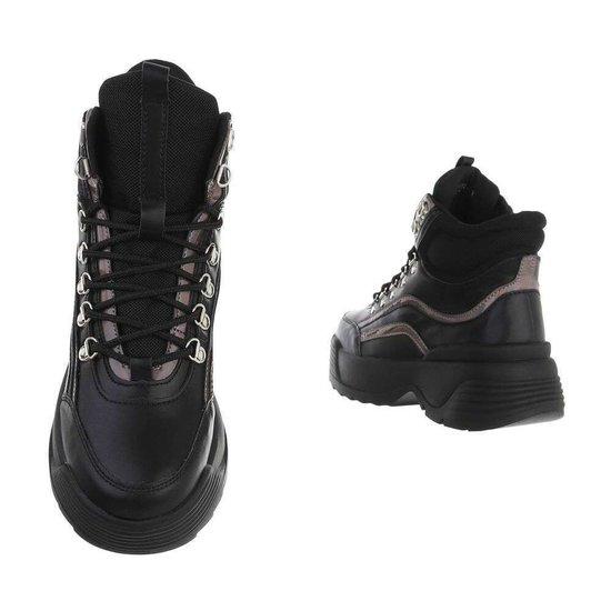 Hoge zwarte gunsmoke sneaker/boot Nada.