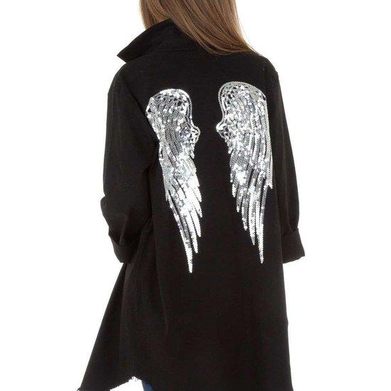 Hippe korte zwarte jas met decoratie.SOLD OUT