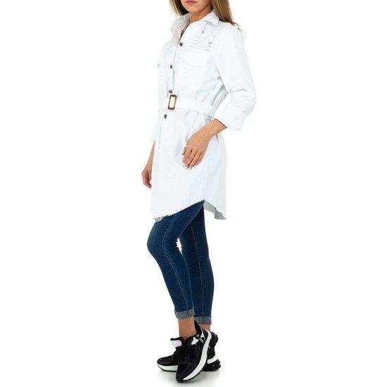 Hippe korte witte jas met decoratie.SOLD OUT