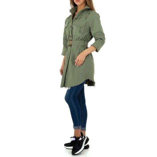 Hippe korte kaki groene jas met decoratie.