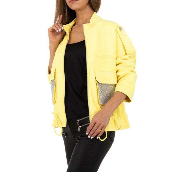 Oversized gele korte jas in velours.