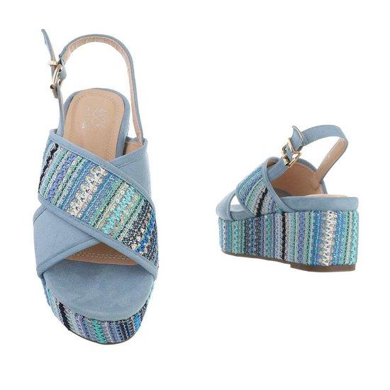 Blauwe sandaal met sleehak Lela.