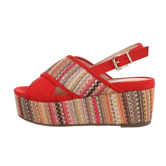 Rode sandaal met sleehak Lela.