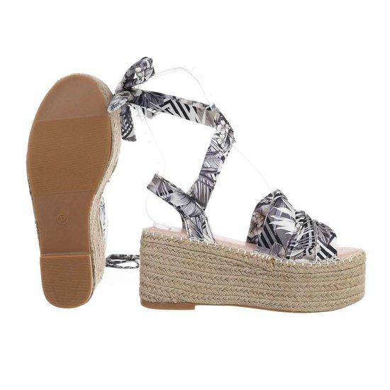 Grijs-zwarte sandaal met sleehak Pifo.