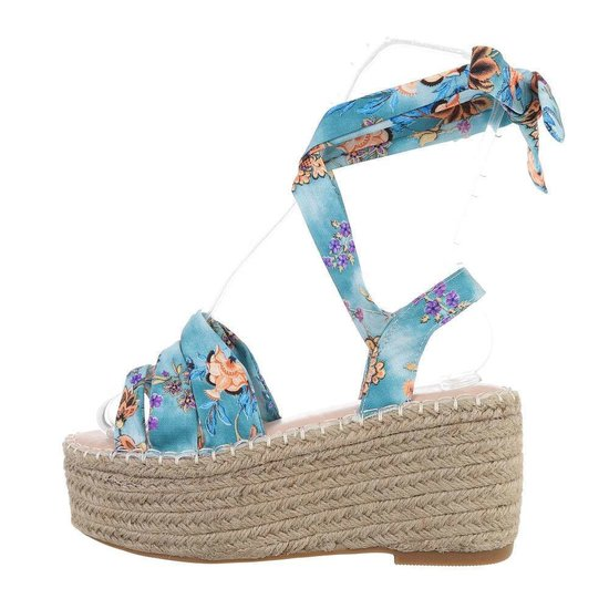 Blauwe sandaal met sleehak Pifo.