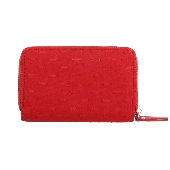 Rode portemonne met rechthoekig motief.
