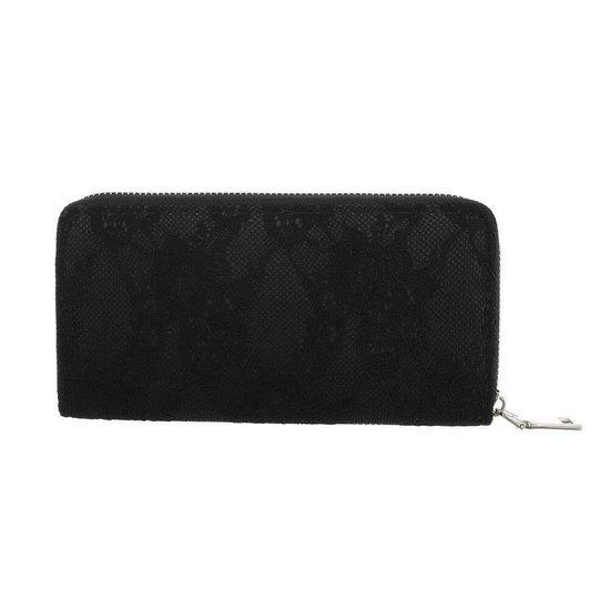 Zwarte portemonne met bloem motief.