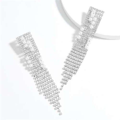 Fashion zilveren oorbellen in tassel design.
