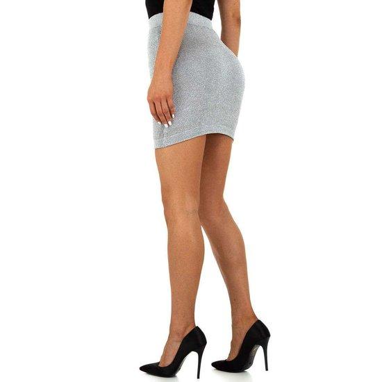 Hippe zilveren stretch mini rok.