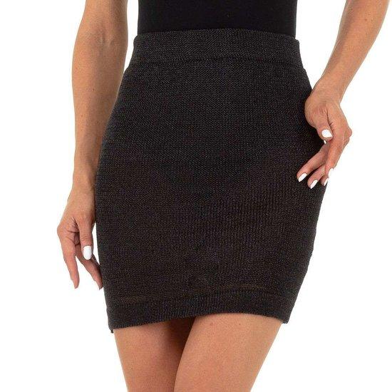 Hippe zwarte stretch mini rok.SOLD OUT