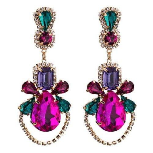 Kleurijke high fashion design oorbellen.