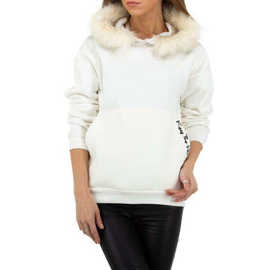 Witte sweater met pelsen kraag.SOLD OUT