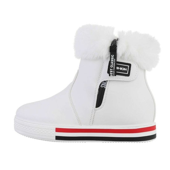 Hoge witte wintersneaker Charlotte.SOLD OUT