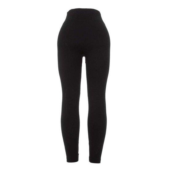Trendy zwarte legging met 2 frontzakken.