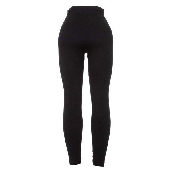 Classy zwarte legging met knoppen en ritsen.