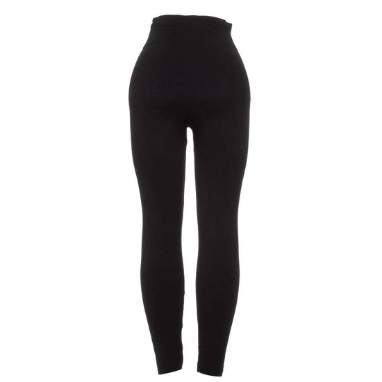 Classy zwarte legging met knoppen en 2 sierritsen.