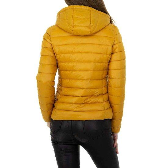 Hippe korte gewatteerde gele winter jacket.