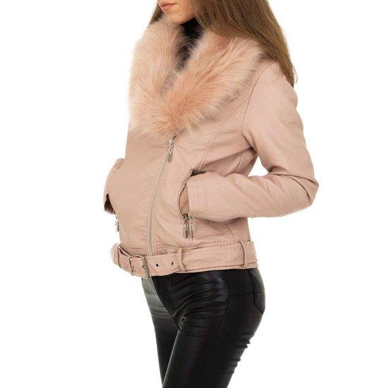 Trendy oud rose korte leatherlook jacket.