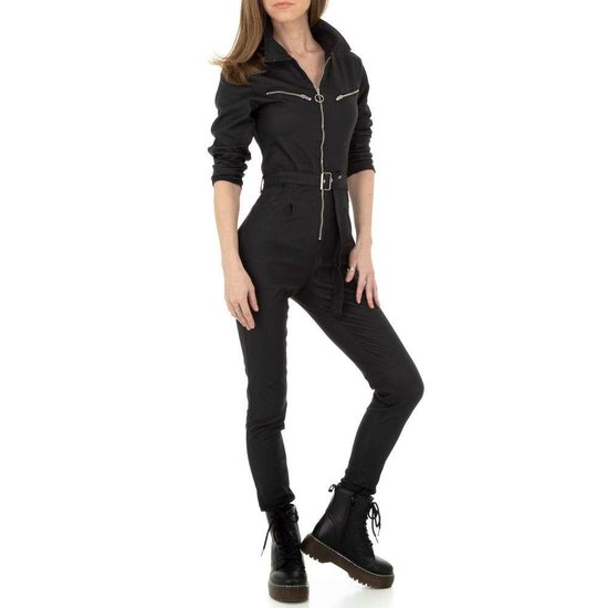 Trendy zwarte leatherlook jumpsuit.