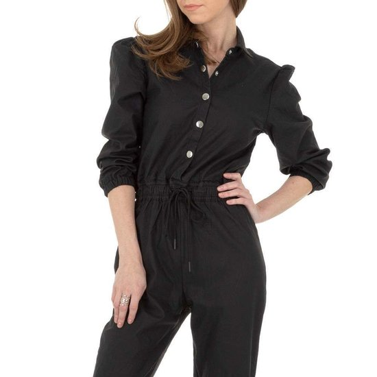 Zwarte leatherlook jumpsuit.