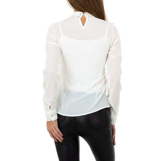 Elegante witte hemdblouse met kant.