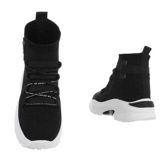 Hoge zwarte textiel sneaker Aicha.