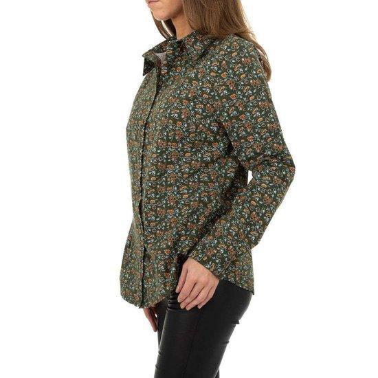 Trendy groene hemdblouse met print.