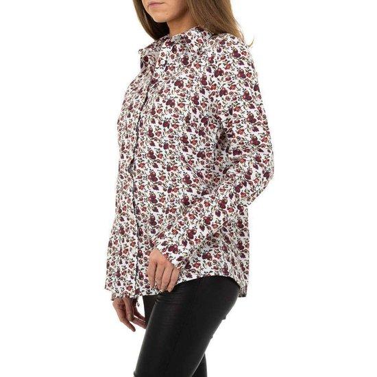 Trendy witte hemdblouse met print.