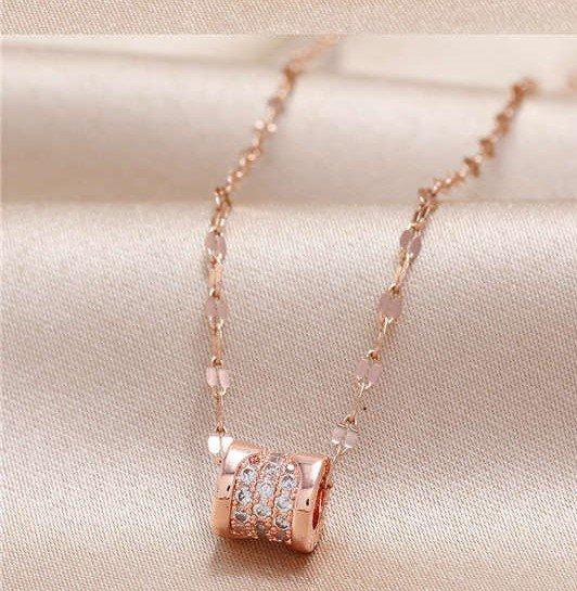 Fijne rose gouden pendant ketting.