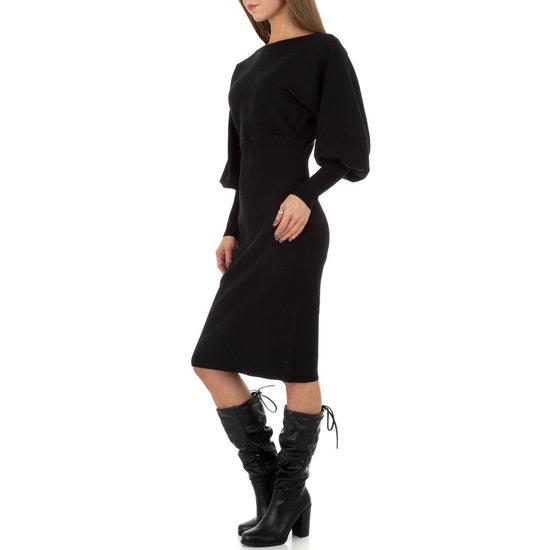 Trendy zwarte midi truijurk.