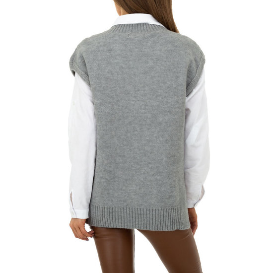 Trendy grijze mouwloze pullover.