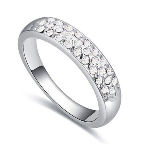 Platinium plated witte ring.