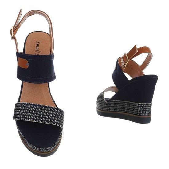 Donker blauwe  hoge sandaal met sleehak Lucetta.