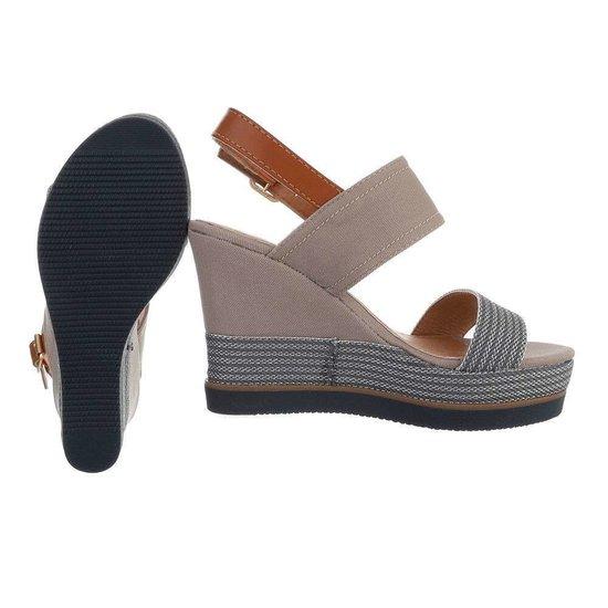 Grijze hoge sandaal met sleehak Lucetta.