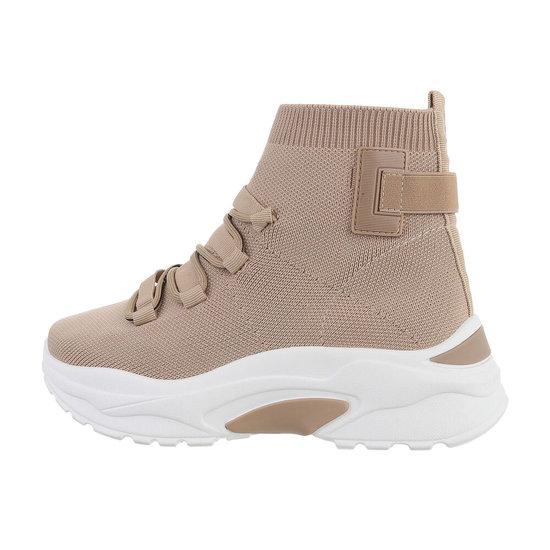 Trendy hoge kaki textiel sneaker Jana.SOLD OUT