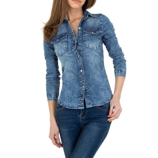 Washed light blue jeans hemdblouse.