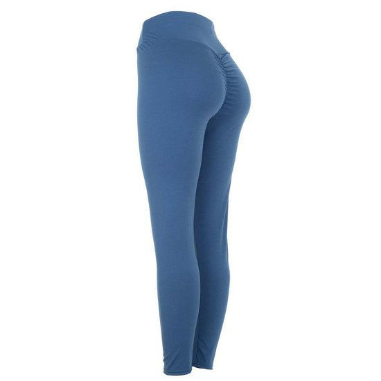 Trendy blauwe sportlegging met push up effekt.