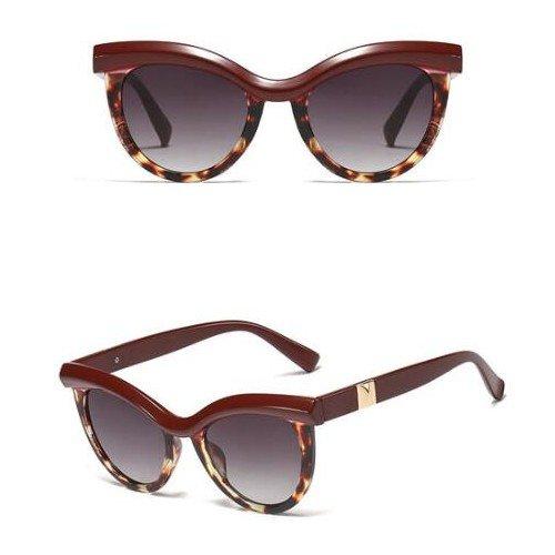Trendy bruine zonnebril . Cat Eye style.
