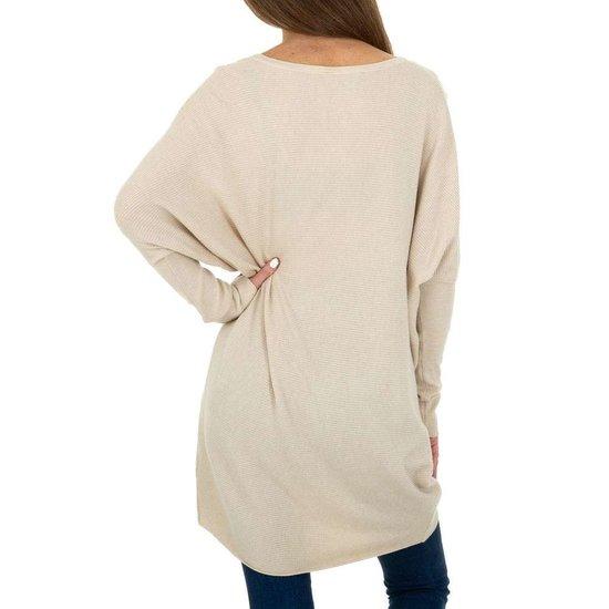 Trendy beige long pullover met opschrift.