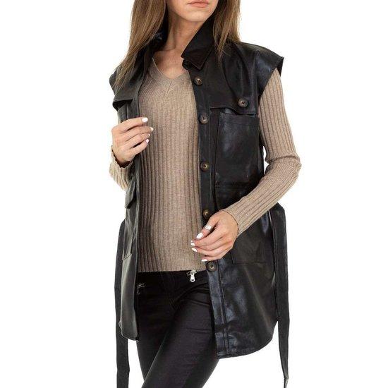 Zwarte leatherlook vest zonder mouwen.