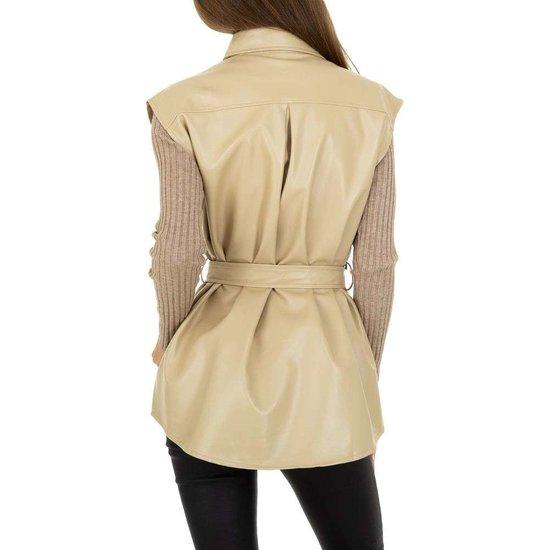 Cream leatherlook vest zonder mouwen.