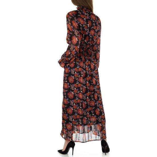 Elegante zwart-rode maxi jurk.
