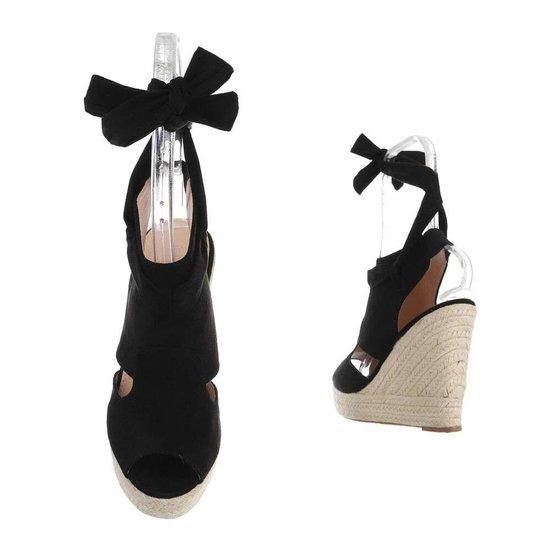 Zwarte hoge daimen sandaal met sleehak Alegra.