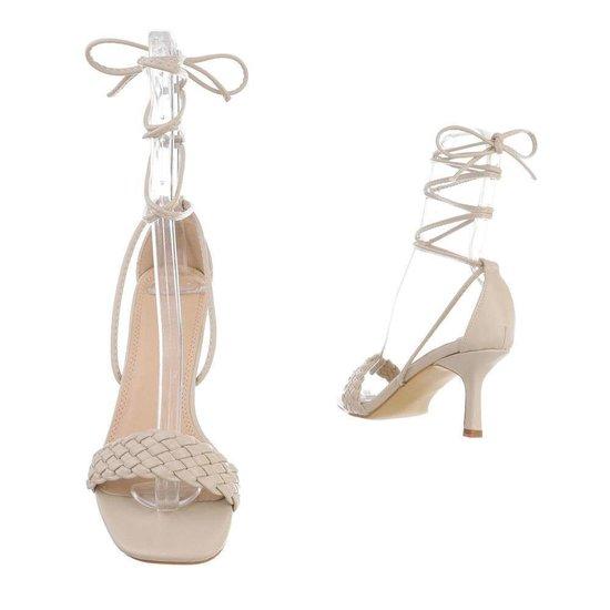 Trendy beige hoge sandaal Lianne.