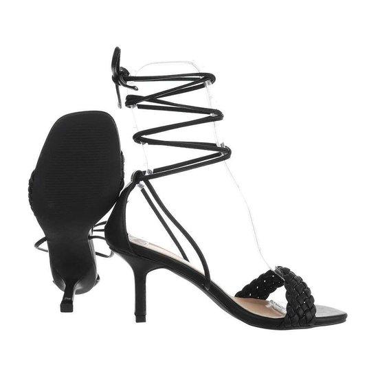 Trendy zwarte hoge sandaal Lianne.