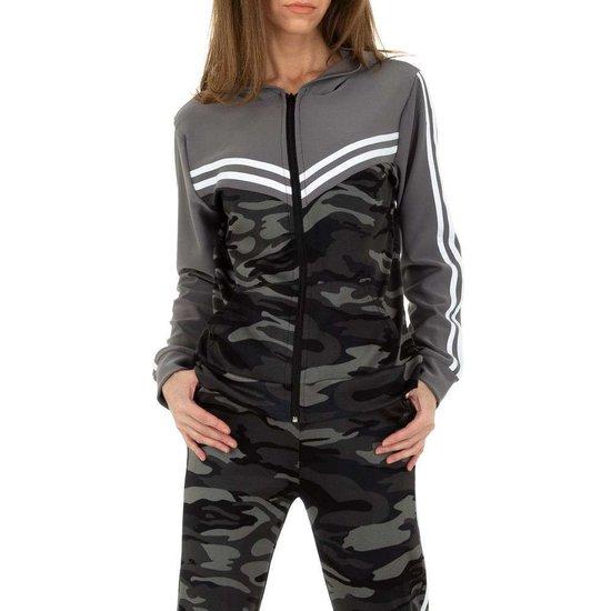 Fashion armygrey camou loungewear met grijze bovenkant.