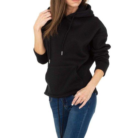 Trendy zwarte sweater/hoodie in sweatstof.