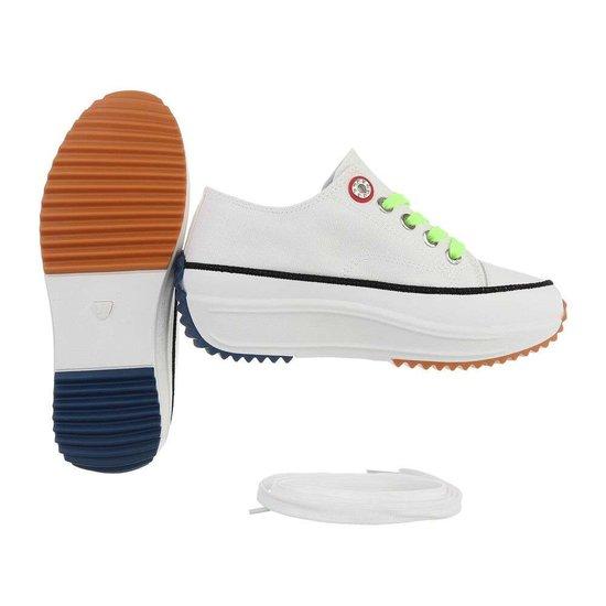 Originele witte lage textiel sneaker Edita.