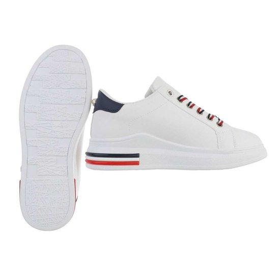 Witte lage sneaker Sorella.