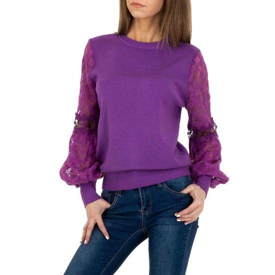 Trendy purperen pullover met kant.